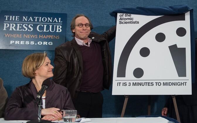 USA aatomiteadlased esitlemas viimsepäeva kella