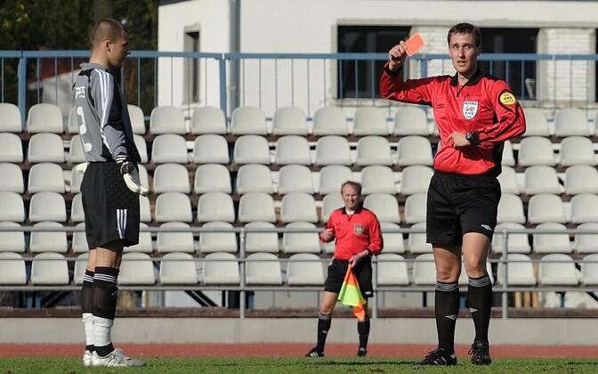 Jalgpallikohtunik Hannes Kaasik aastal 2008