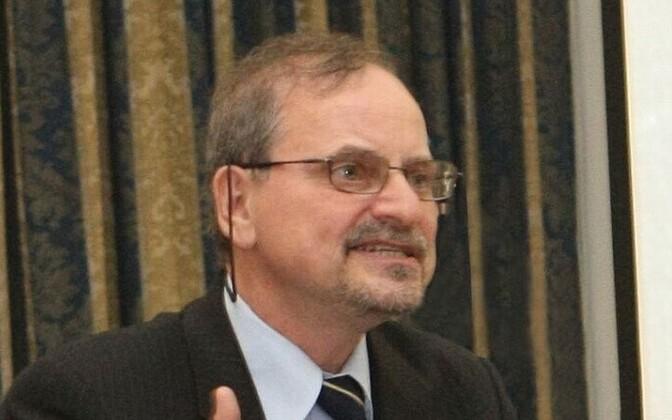 Alexander Genis