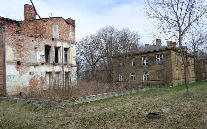 Abandoned buildings in Kopli.