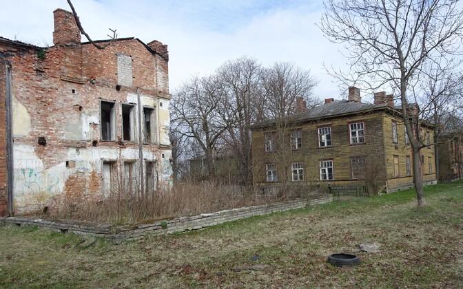 Abandoned buildings in Kopli.