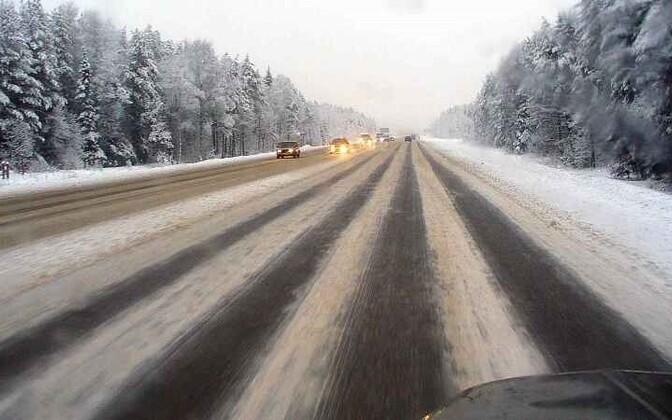 Вечером на дорогах Эстонии может возникнуть гололедица
