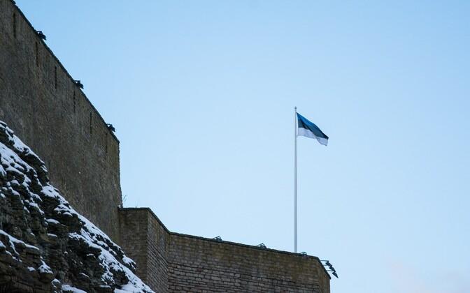 Eesti lipp Narva linnusel