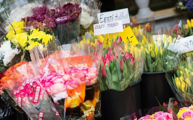 Цветочный рынок на улице Виру.