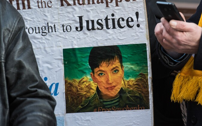 Protests in support of Nadiya Savchenko outside the Russian embassy in Tallinn on Wednesday