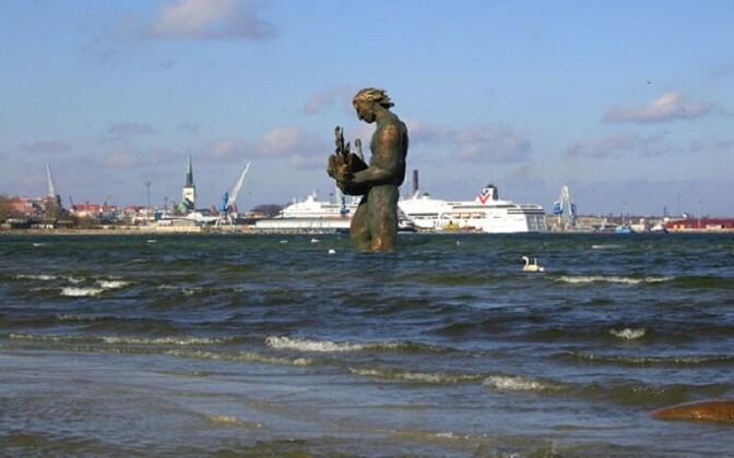 Tauno Kangro Tallinna lahte kavandatud Kalevipole kuju.