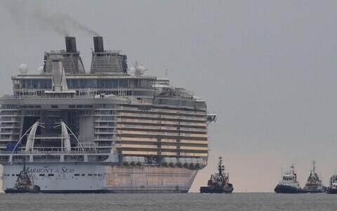 Крупнейший круизный лайнер в мире Harmony of the Seas