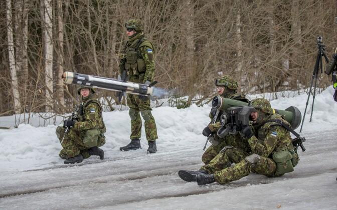 На полигоне Сиргала срочники впервые стреляли из противотанковой системы Javelin.