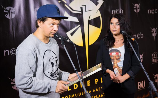 Elina Born ja Stig Rästa võitsid aasta raadiohitt 2016 Kuldse Plaadi.
