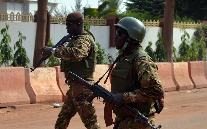 Mali sõdurid pealinn Bamako tänavatel