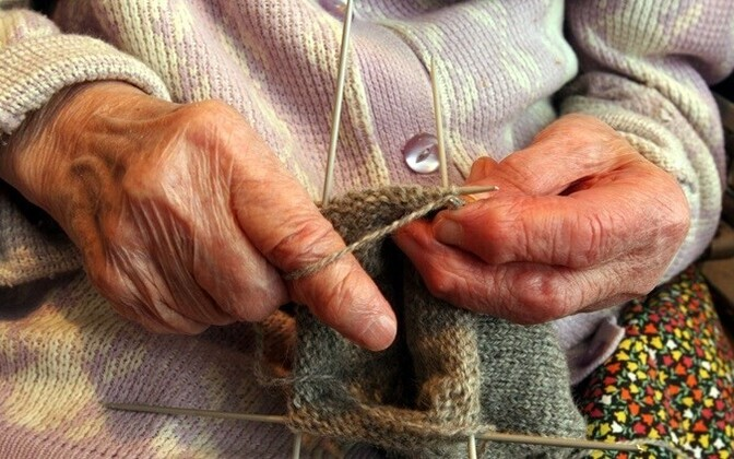 Пожилые люди ждут более широкого доступа к социальным услугам.