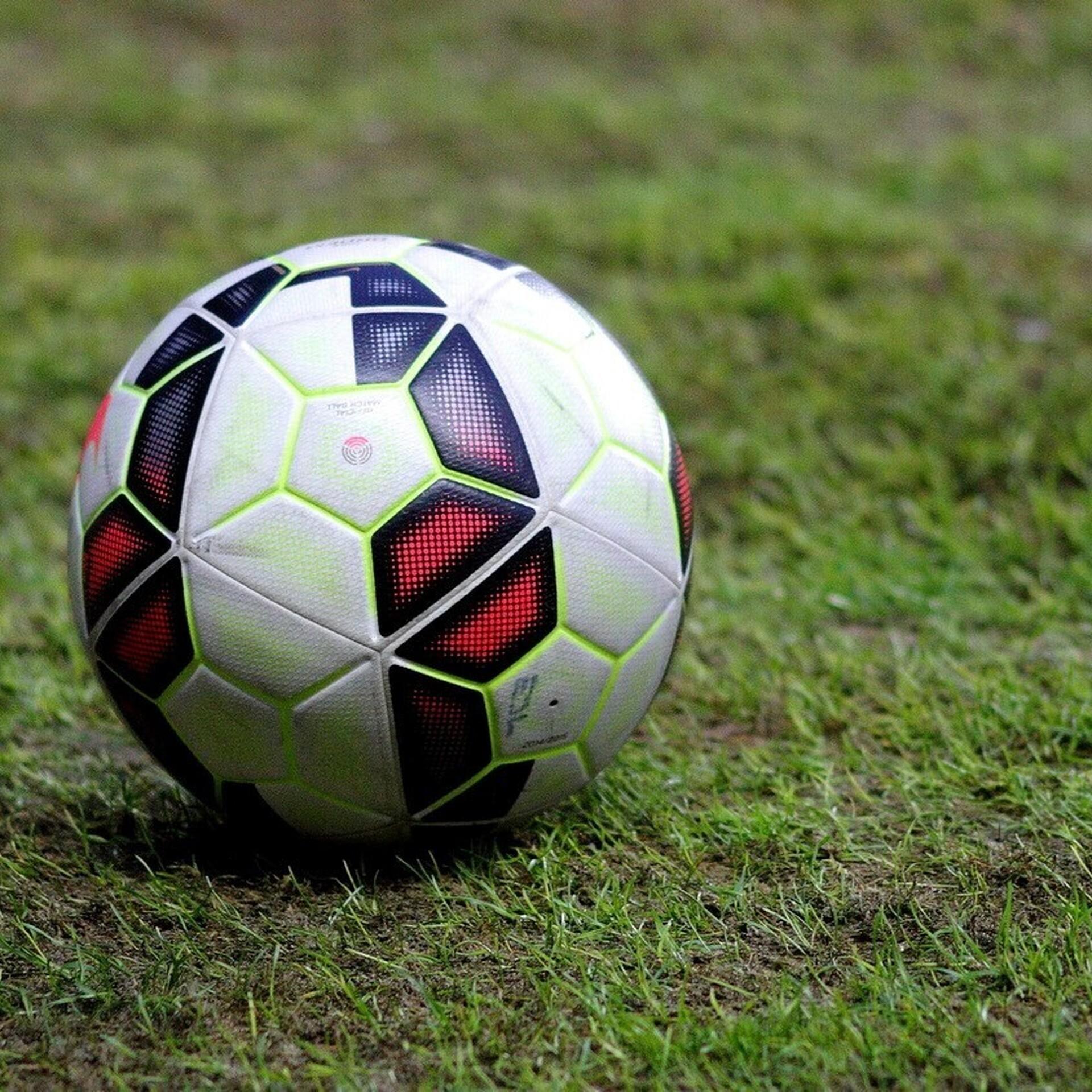 17a35060bc8 Kolmapäeval lähevad jalgpalli Eesti maavõistlustel vastamisi maakonnad |  Jalgpall | ERR