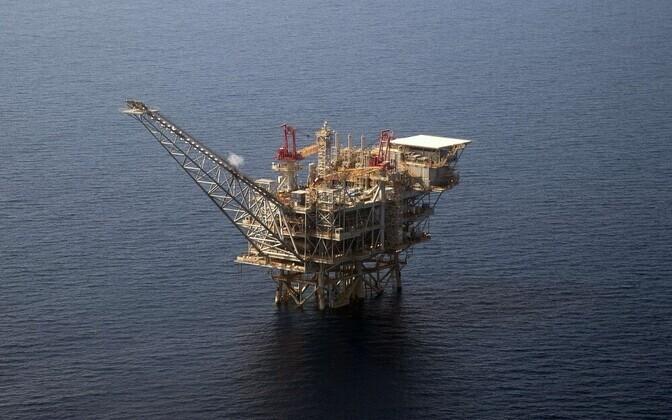 Нефть дорожает.