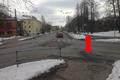 Kõigi nende tänavate ülekäiguradade valge värv on kulunud. Selle ristmiku vahetus läheduses on toimunud kokku neli liiklusõnnetust kannatanutega.