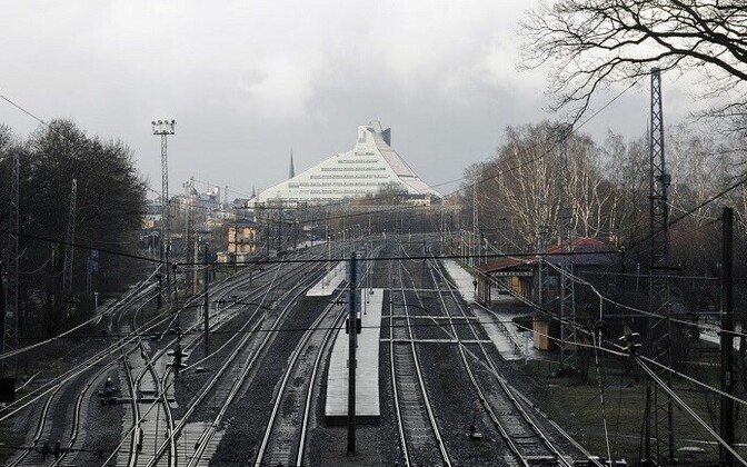 Rail Baltica tulevane trass teel Riiga.