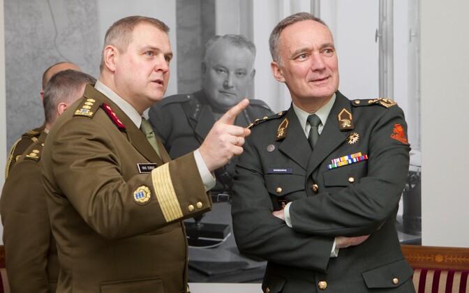"Estonian and Dutch defense chiefs Lt. Gen. Riho Terras and Gen. Thomas A. ""Tom"" Middendorp during a visit to Estonia. Feb. 23, 2015."