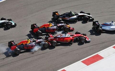 Daniil Kvjat ja Sebastian Vettel