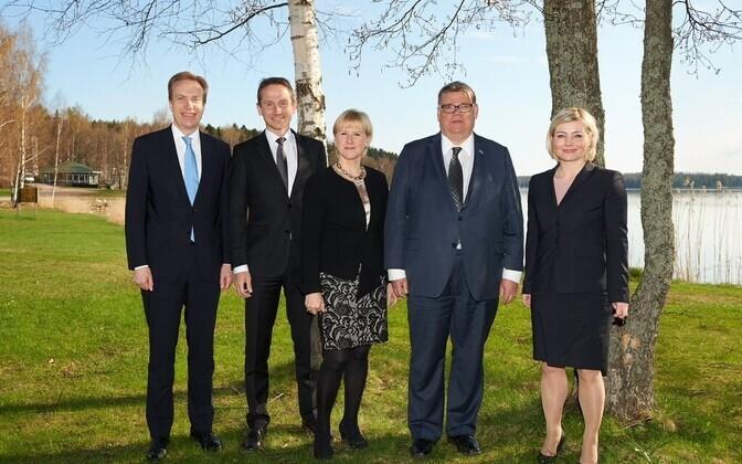 (Vasakult): Børge Brende, Kristian Jensen, Margo Wallström, Timo Soini, Lilja Alfredsdottir.
