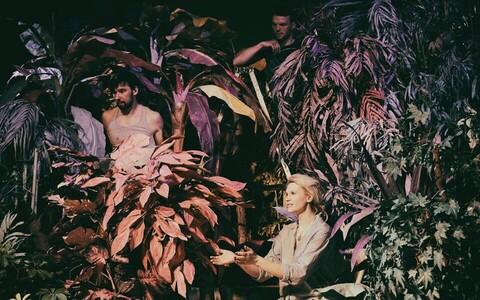Lauri Lagle lavastus «Paradiis» Von Krahli teatris.