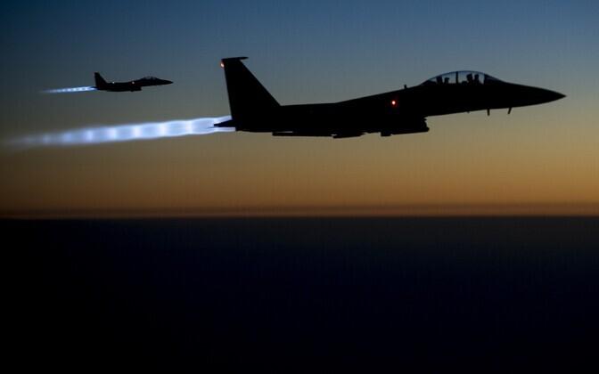 USA sõjalennukid F-15.