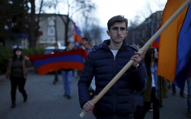 Armeenlastest sõdurite mälestusrongkäik Stepanakertis 5. aprillil.