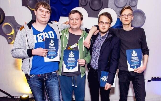 NomadCard võidukas meeskond.