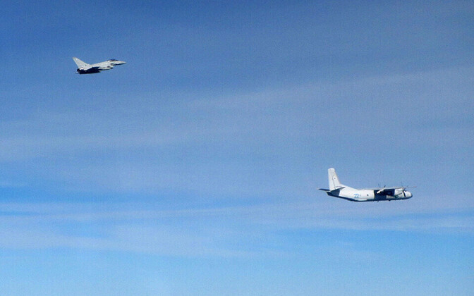 RAF Typhoon ja Vene transpordilennuk An-26.