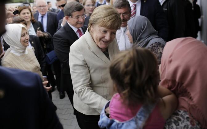 Saksa kantsler Angela Merkel külastas Türgi-Süüria piiril pagulasi.