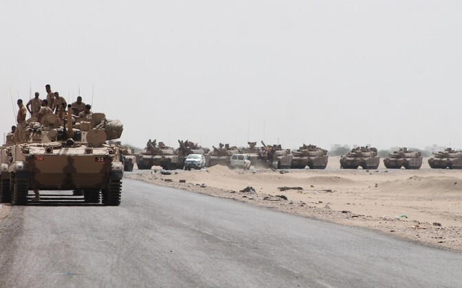 Saudi Araabia juhitud koalitsiooni rasketehnika Jeemenis 2015. aasta suvel.