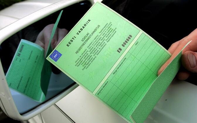 Sõiduki registreerimistunnistus.