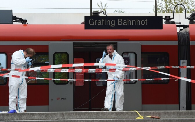 Kohtueksperdid 10. mai noarünnaku toimumispaigas Grafingi raudteejaamas