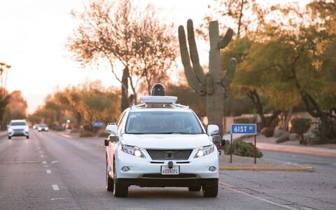 Google'i isesõitev auto.