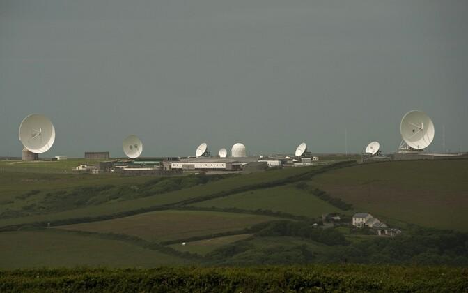 Satelliiditaldrikud GCHQ vaatluspostil Cornwallis.