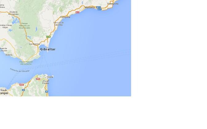 Gibraltari väin: üleval Gibraltar, allpool üle mere Ceuta.