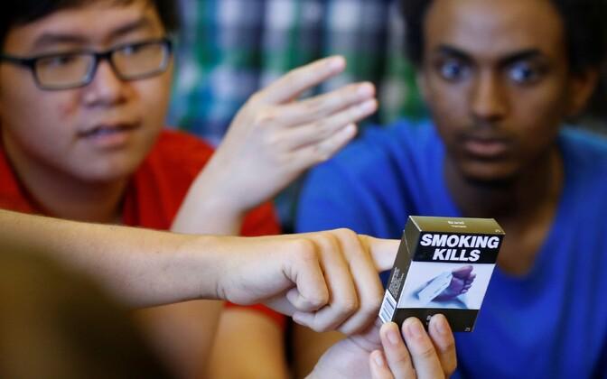 Hoiatusega suitsupakk.