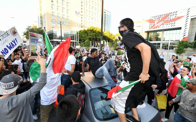 San Jose, rahutused Donald Trumpi kampaaniaürituse ajal.