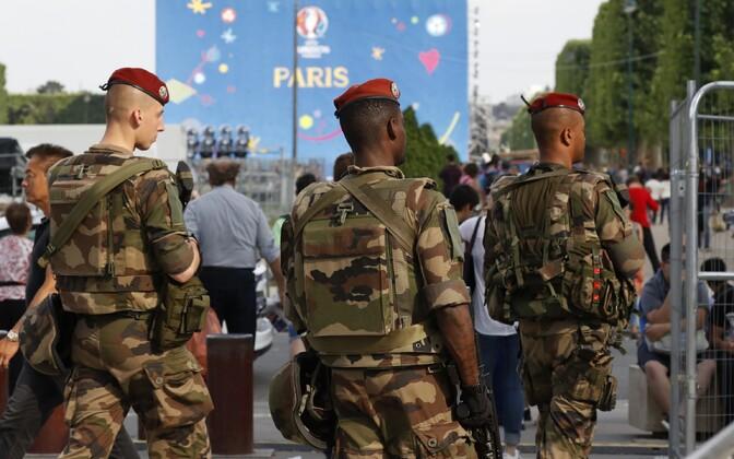 Prantsuse sõdurid Pariisis.