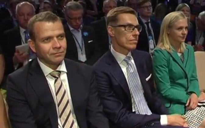 Petteri Orpo (vasakul), Alexander Stubb ja Elina Lepomäki.