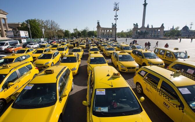 Ungari taksojuhtide protest aprillis.