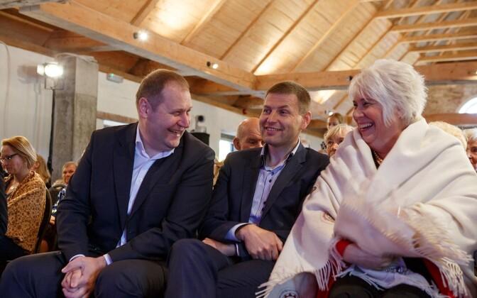 Reformierakond pidas pühapäeval üldkogu. Pildil Urmas Kruuse, Hanno Pevkur ja Marina Kaljurand.