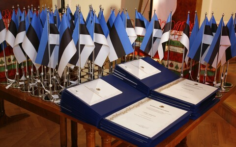 Certificates of Estonian citizenship.