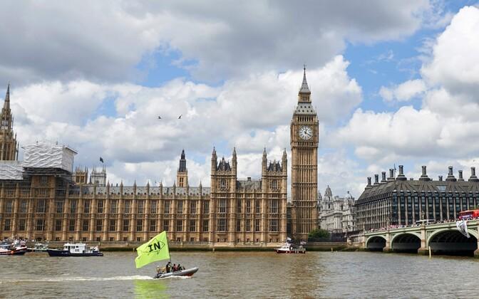 Kampaaniapaadid Thamesi jõel.
