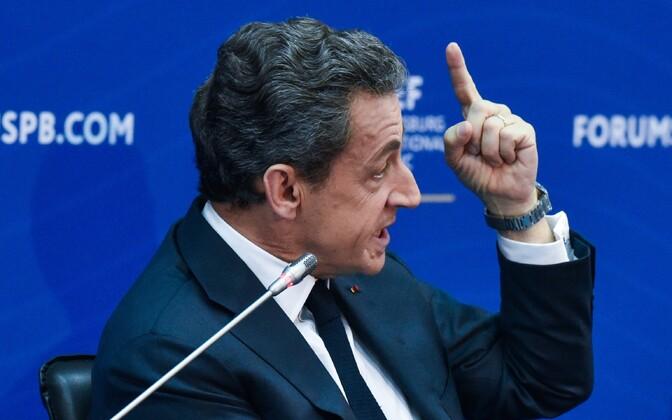 Prantsusmaa endine president Nicolas Sarkozy Peterburi majandusfoorumil.