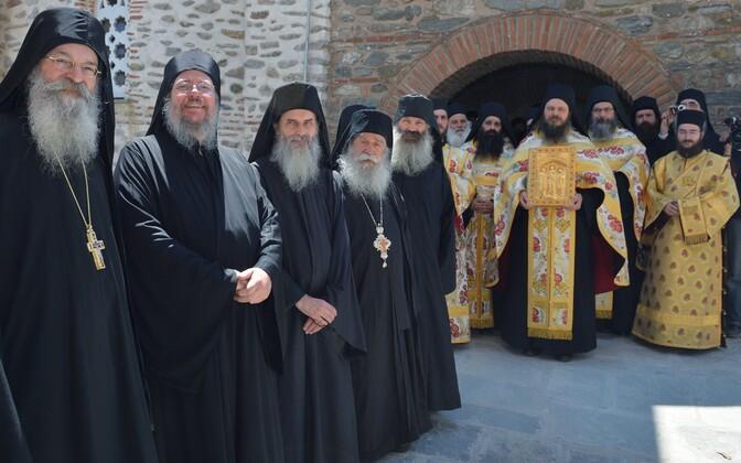 Moskva patriarhaadi esindajad külastamas Kreekas Püha Athose mäel asuvat pühamut