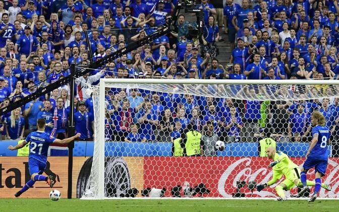 Islandi jalgpallikoondise toetajad