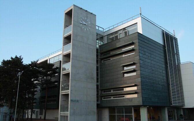 IT kolledži maja asub Tallinna tehnoloogiapargi Tehnopol ja TTÜ naabruses.