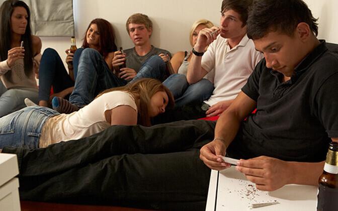 Joomiskäitumist õigustati sellega, et täiskasvanud ei märka või ei reageeri noorukite alkoholi tarvitamisele.