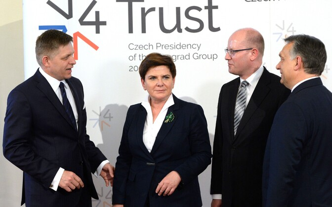 Vasakult: Slovakkia peaminister Robert Fico, Poola peaminister Beata Szydlo, Tšehhi peaminister Bohuslav Sobotka ja Ungari peaminister Viktor Orban.