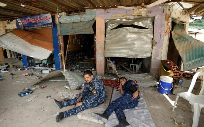 Iraagi valitsusväed puhkavad Fallujah's pärast linna tagasivõitmist pühasõdalastest