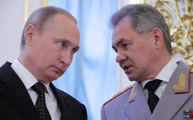 Venemaa president Vladimir Putin ja kaitseminister Sergei Šoigu.